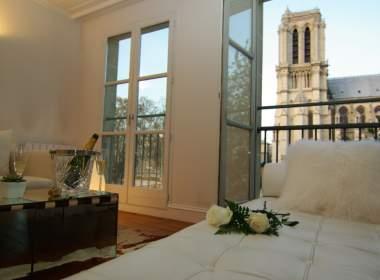 0-Luxury apartment Notre Dame-Snowdrop