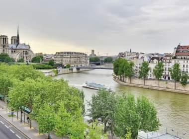 0-Notre Dame-Paris-Guest Apartment Services Paris