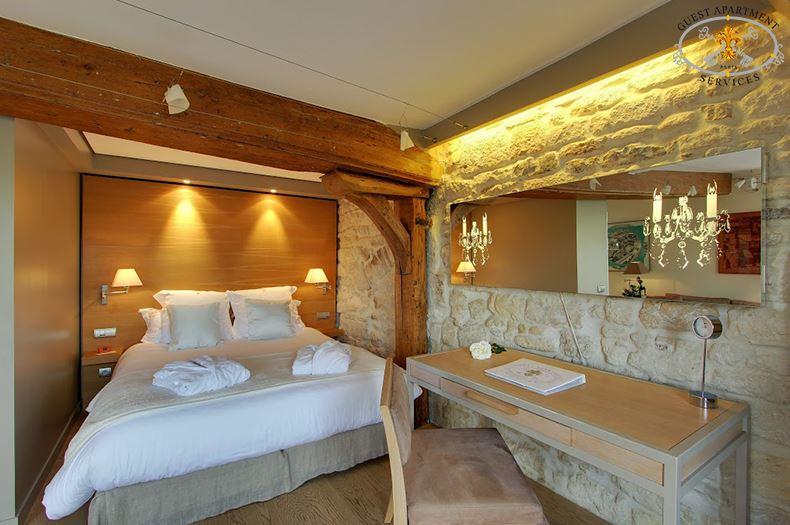 10-Paris-Ile Saint Louis-Short term rental-Contemporary-Bedroom-Jasmin