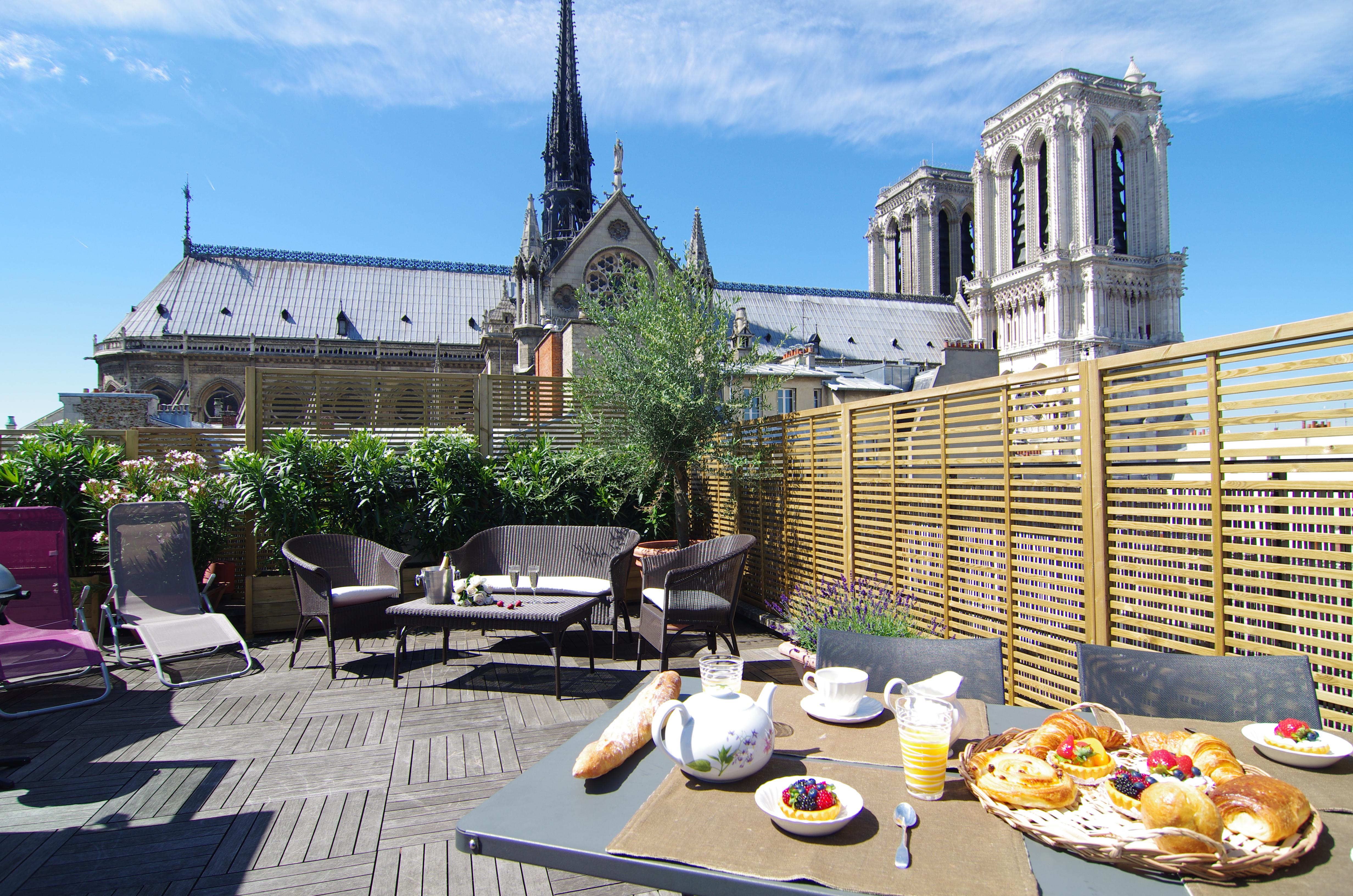 Esmeralda Notre Dame Luxury Accommodation In Paris