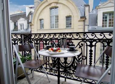 0-Vacation apartment rental on Ile Saint Louis-Paris- Balcony-Ombelle