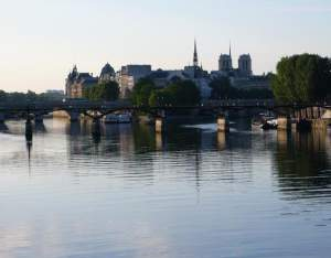 ile-st-louis-reflections-in-the-seine-paris