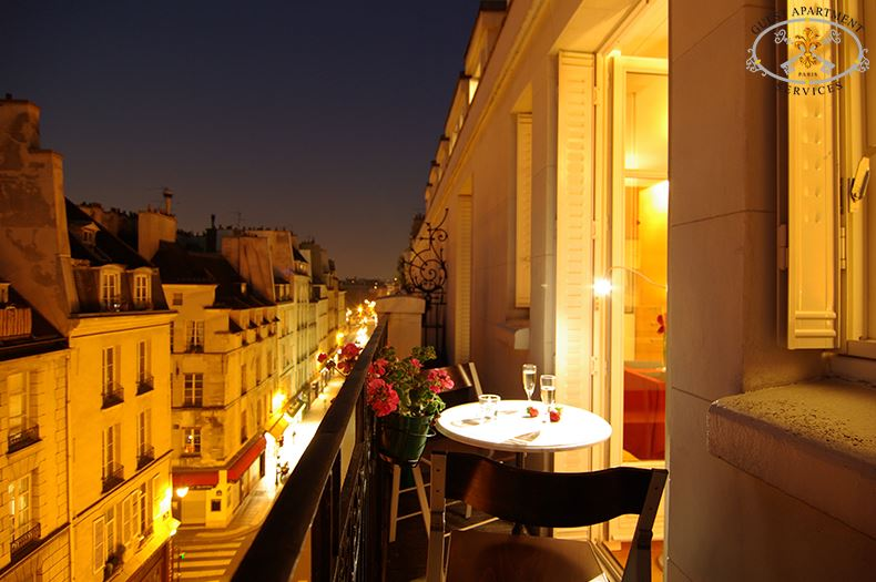 16 Contemporary Apartment Paris Ile Saint Louis Short Term  Rental Stunning Views For A Couple Romantic Balcony Cherry