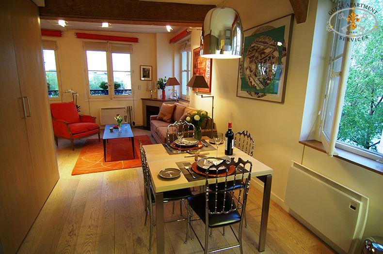 3 Paris Ile Saint Louis Luxury Contemporary Studio Dining Room Jasmin