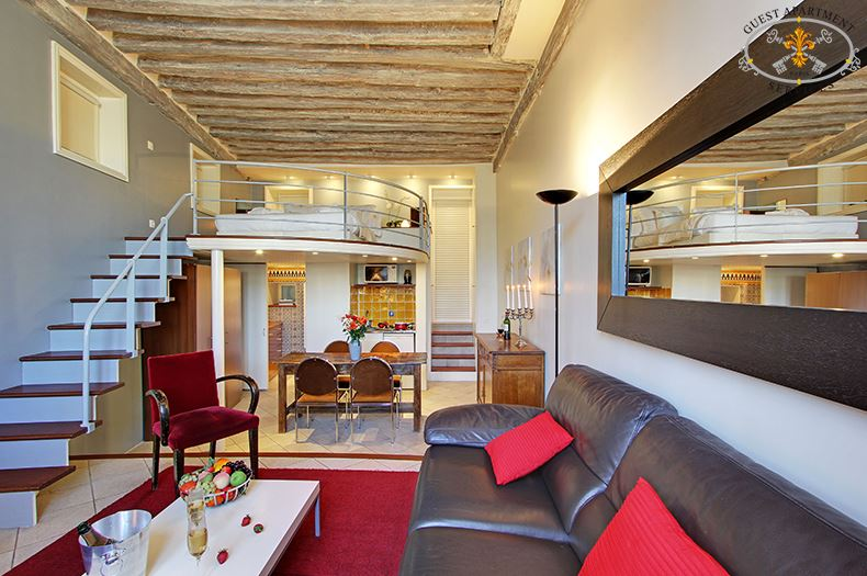 Paris Ile Saint Louis Apartment Classic Mezzanine Daisy Guest