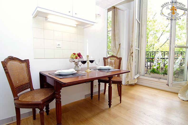 11 Paris Romantic One Bedroom Apartments Ile Saint Louis Kitchen Rose