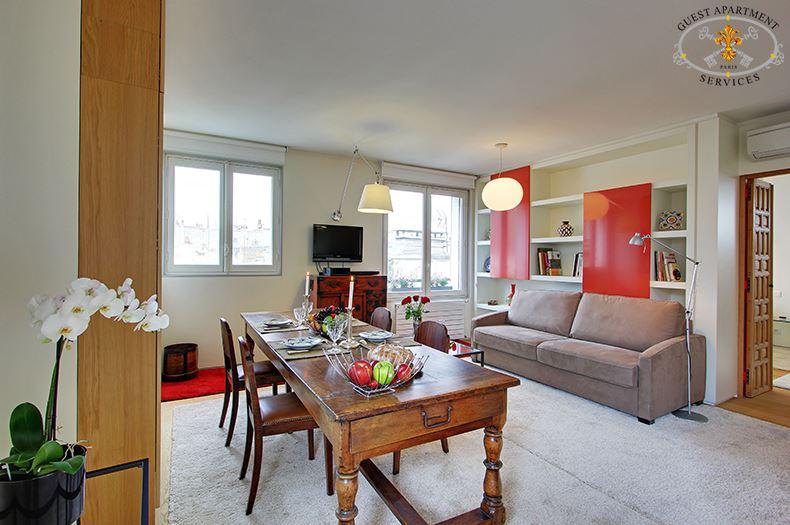 Paris roof garden guest apartment services paris for 13 a table paris