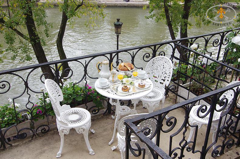 21 Paris Terrace On Ile Saint Louis Vacation Apartment Rose