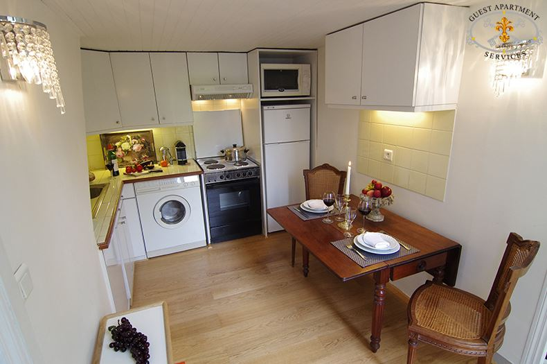 8 Romantic One Bedroom Apartment Paris Ile Saint Louis Kitchen Rose