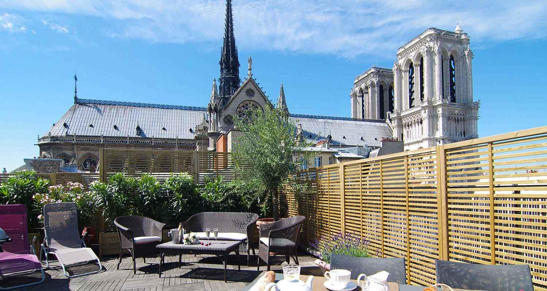 Paris-rooftop-garden-Notre-Dame-Paris-view