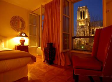 0-Lotus-paris-apartment-notre-dame-380x280