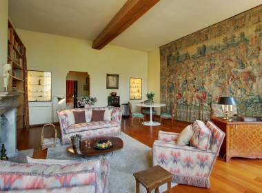 0-Luxury-classic-apartment-to-rent-on-Ile-Saint-Louis-Paris-380x280