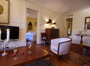 paris-apartment-quai-bourbon-380x280