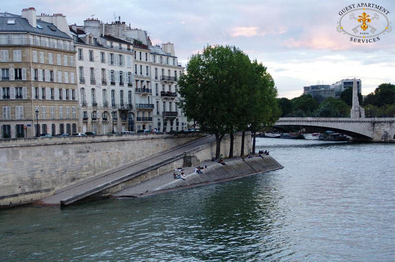 Astonishing 2 Luxury 2 Bedroom Apartment In Paris Ile Saint Louis For Beutiful Home Inspiration Xortanetmahrainfo